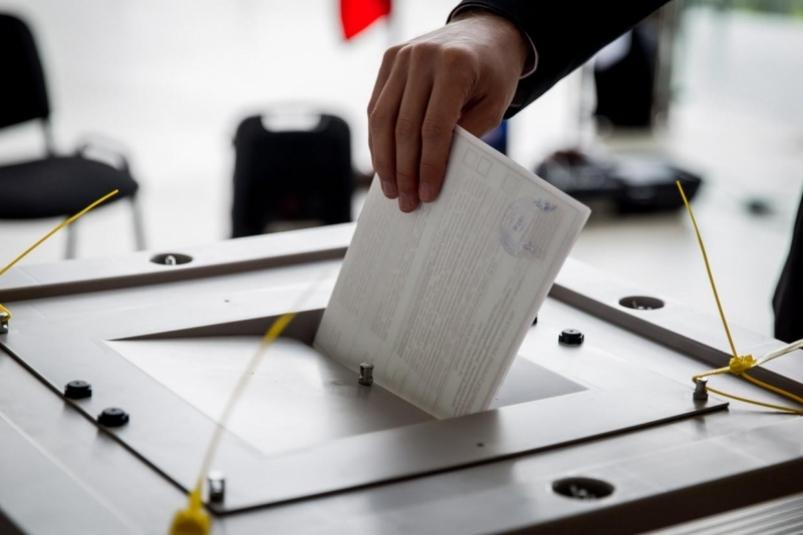 Избиратели в Российской Федерации идут на выборы президента 18 марта 2018 года